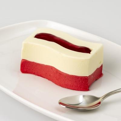 ijsdessert witte chocolade en frambozen